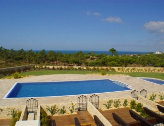 1 Bed Apt with Sea Views