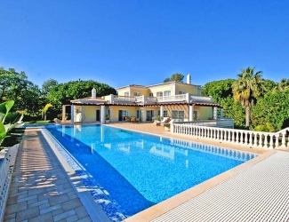 6 Bed Villa with Pool
