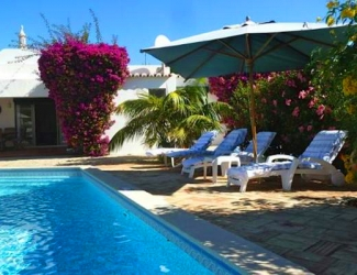 4 Bed Villa with Secluded Garden