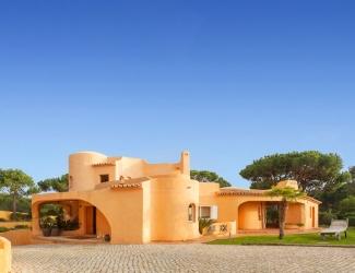 7 Bed Villa with Sea Views