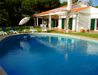 5 Bed Villa with Fenced Pool