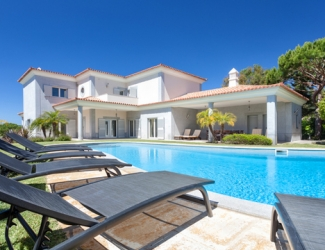 5 Bed Villa with Sea Views