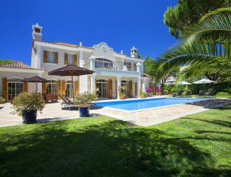 6 Bed Luxury Villa with Gym