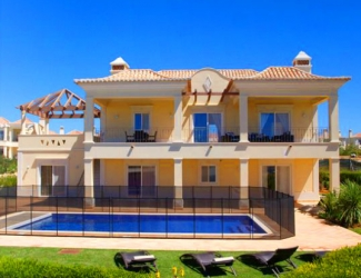 Luxury 4 Bed Villa No. 26