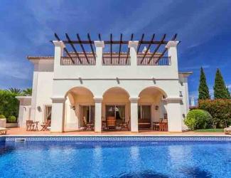 3 Bed Luxury Holiday Villa