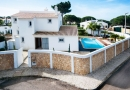 Stunning 3 Bed with Pool