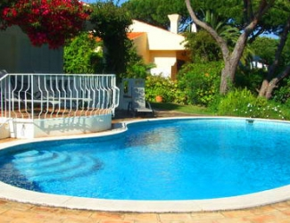 4 Bed Villa with Large Garden