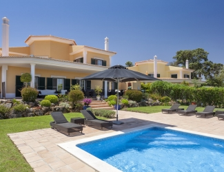 4 Bed villa with Private Pool