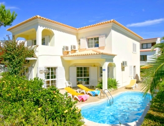 Delightful 4 Bed Villa