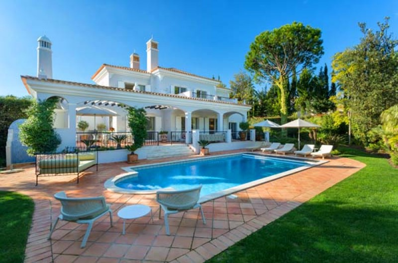 4 Bed with Heated Pool