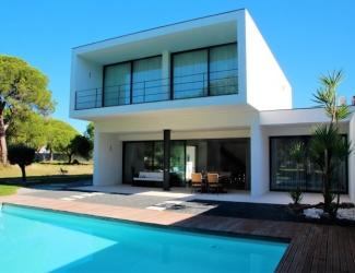 Modern 3 Bedroom Villa