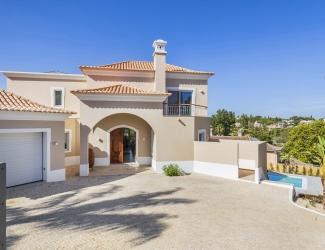 Modern 4 Bedroom Villa
