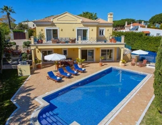 4 Bed Villa with Heated Pool