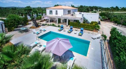 Modern 5 Bedroom Villa
