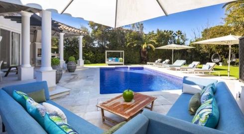 Luxury 5+1 Bedroom Villa