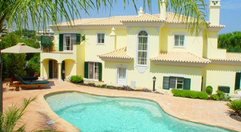 4 Bed Villa Close to Beach