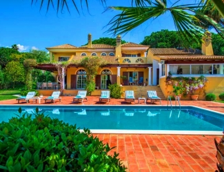 4 Bedroom Villa with Pool