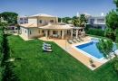 Modern 4 Bed Villa with Pool