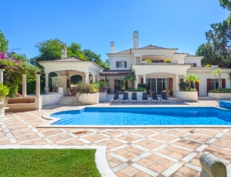 Luxury 5 Bed Holiday Villa