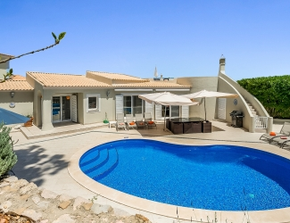 4 Bed Villa in Valverde