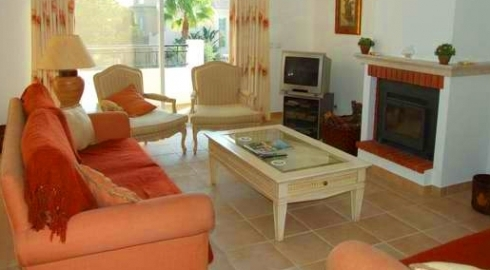 2 Bed with Heated Pool