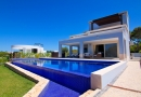 4 Bed Villa Overlooking the Beach