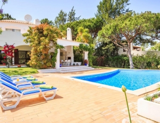 4 Bed Villa in Monte Golfe