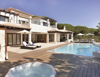 4 Bed  Deluxe Holiday Villa