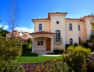 2 Bed Townhouse with Garden